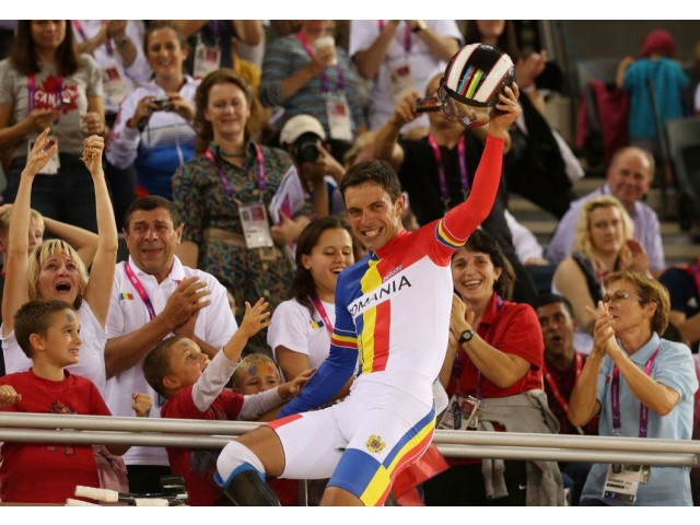 Paralympic medal: Romania's minister of Youth and sports, Carol-Eduard Novak, sets world record